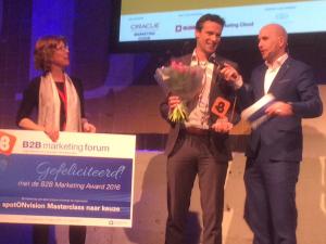 Sander Seton van Afas ontvangt B2B Marketing Award